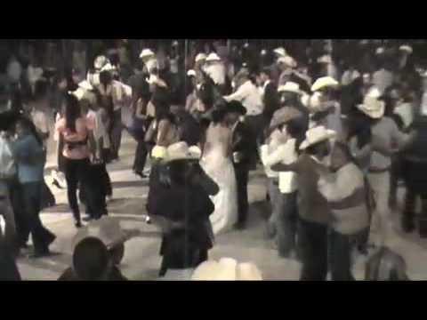 Bailazo de Boda en Providencia Monarcas del Valle!