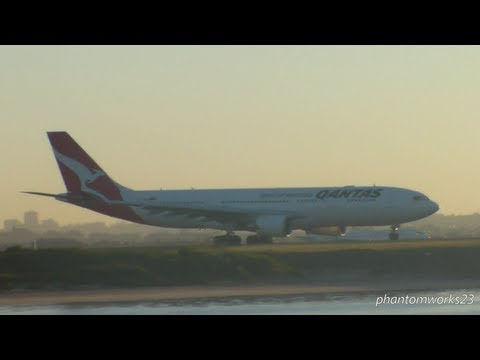 QANTAS A330-200 EARLY MORNING TAKE OFF SYDNEY AIRPORT
