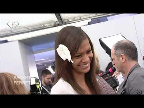 fashiontv | FTV.com - JOAN SMALLS MODEL TALKS FALL/WINTER 2010 -2011