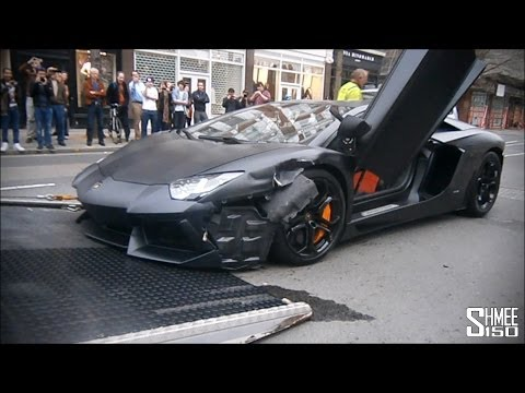 Wrecked Lamborghini Aventador in London - Loaded onto Truck