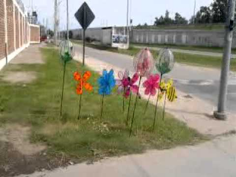 Molinos de jardin 69 youtube for Animales de plastico para jardin