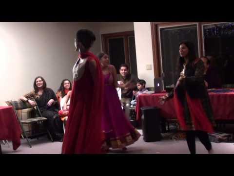 Dance: Main Chali Main Chali Dekho Pyar Ki Gali From Padosan video