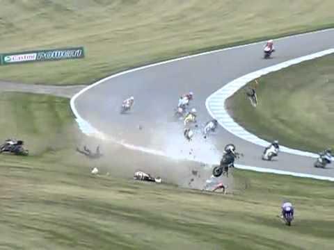 motorsiklet yarışında kaza