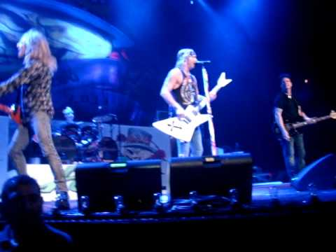 Poison - CC DeVille Solo - Fallen Angel - Live in Houston, TX 6/10/2011 Front Row