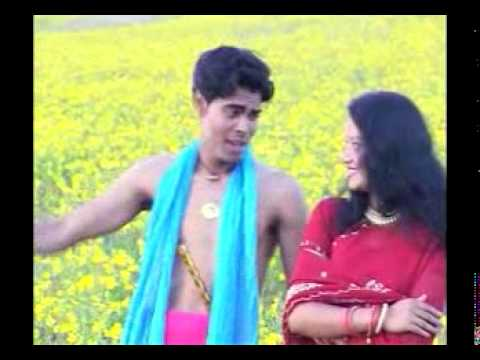 In A Red Saree Reshma Nice Look In New Bhojpuri Album Song video