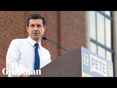 2020 candidate Pete Buttigieg responds to anti-gay heckler at Iowa rally