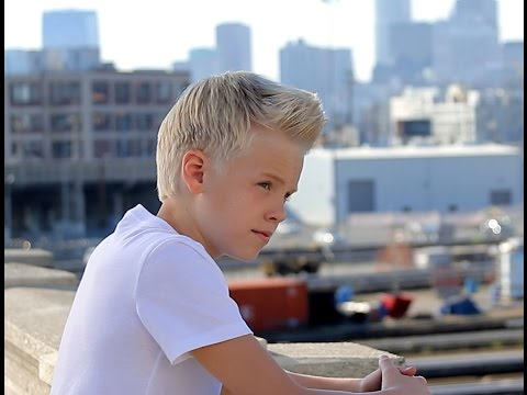 Taylor Swift - Style by Carson Lueders