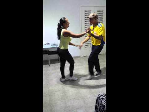 Bailando salsa de barrio ( Siloe y Petecuy 2ª etapa)