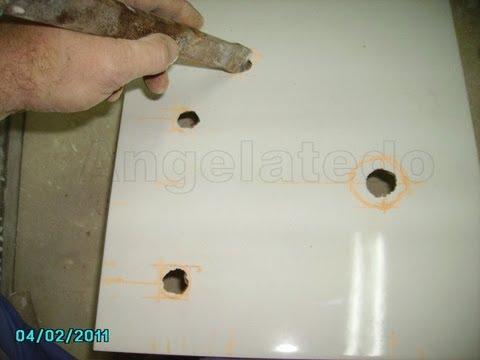 C mo hacer agujeros en azulejos para tomas de agua con - Tapar agujeros en azulejos ...