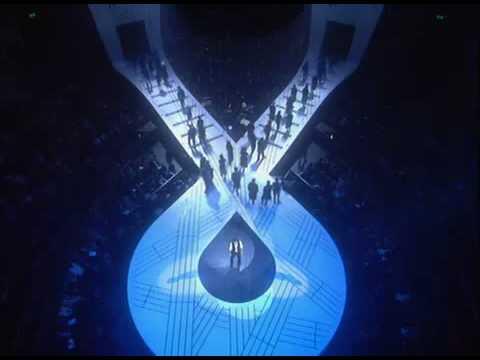 06-Antonio Banderas-High Flying Adored