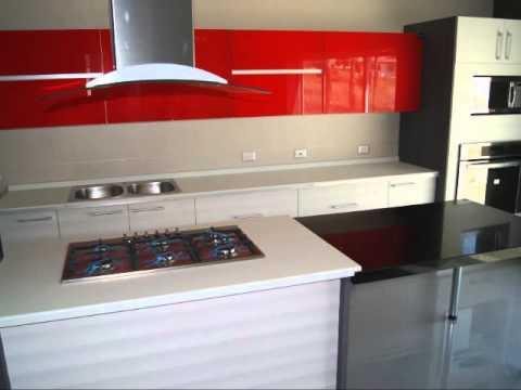Cocinas integrales con puertas de cristal youtube - Puertas de madera con cristal ...
