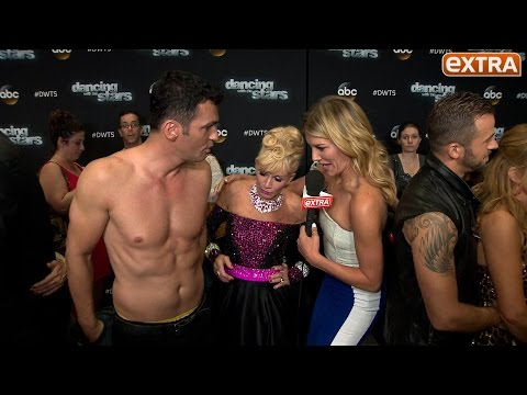 'DWTS' Week 2: Abs Unleashed, Foam Butts Unveiled, and Tavis Smiley Eliminated thumbnail