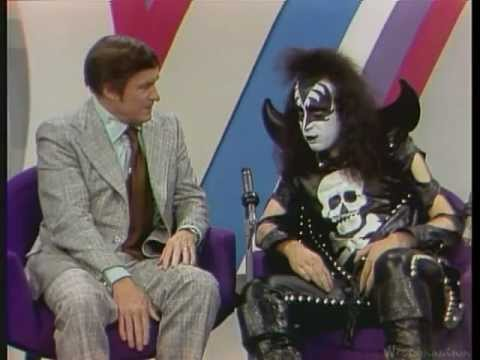 Kiss - (full) Interview & Firehouse - Mike Douglas Show - 1974 video