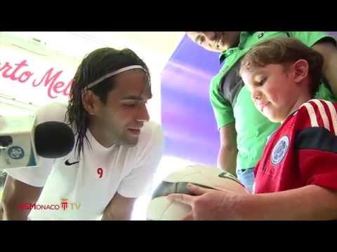 EMOCIONANTE Y HERMOSO GESTO DE RADAMEL FALCAO !