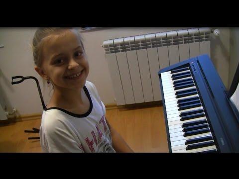 Szkoła Muzyczna Amadeus Łódź/Aleksandrów Łódzki - Ola Kaczan Po 8 Lekcji Gry Na Pianine!