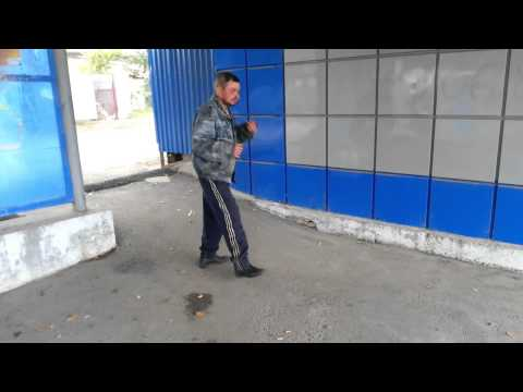 Суровый Челябинский бомж. Прикол.