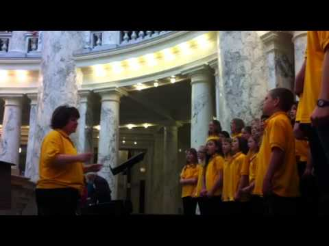 Watch Twin Falls' Sunshine Singers perform (2 of...