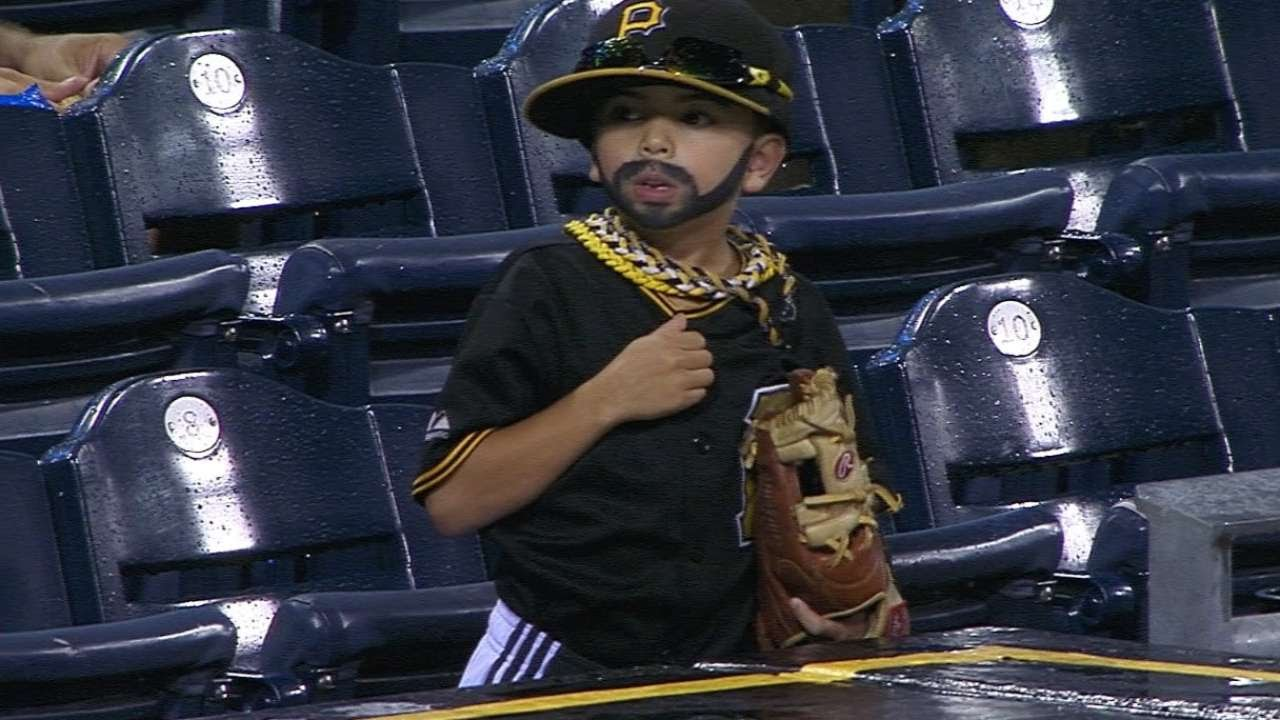 SD@PIT: Pedro Alvarez's little look-alike spotted