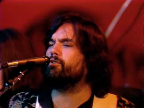 Little Feat - Dixie Chicken (with Emmylou Harris &amp; Bonnie Raitt) Live 1977. HQ Video.