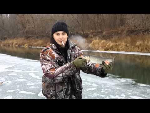 ловля на тихой речке видео