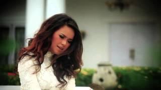Siti Liza - Dua Hati (Official Clip)