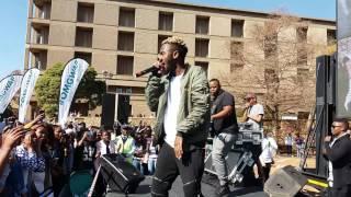 Kwesta performing Ngud at wits university