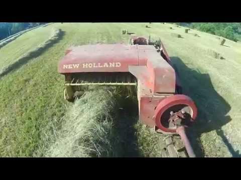John Deere 5095M with New Holland hayliner 268