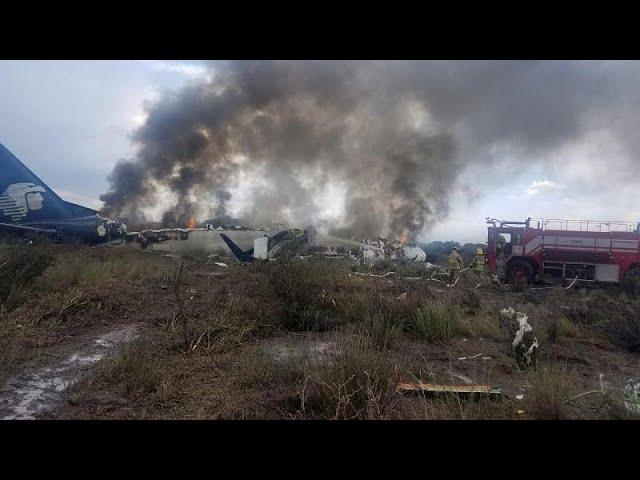 Passengers and crew survive Mexico air crash