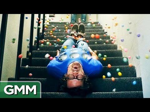 500 Bouncy Balls (Slo-Mo) thumbnail
