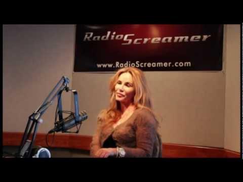 Tawny Kitaen discusses Cameron Diaz's car wash scene in Bad Teacher