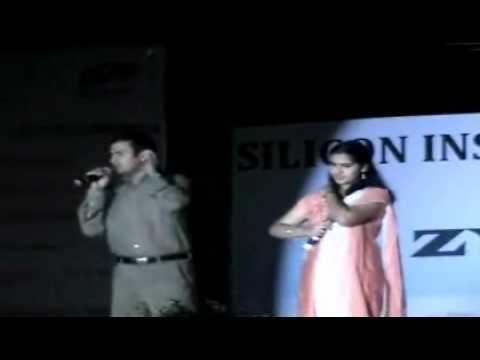 Baahon Ke Darmiyan-- Mirza Sarfaraz & Subhra (Khamoshi-The Musical...