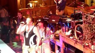 Stimmung Mit AC/DC Auf  Der Wiesn,dem Muenchner Oktoberfest..Highway To Hell Im Bierzelt