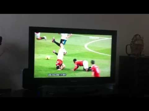 Evra takes out Ferdinand, misses Suarez!!