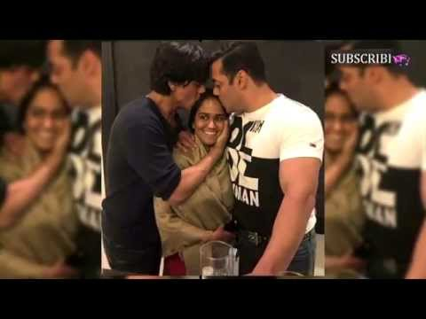 Shah Rukh Khan and Salman Khan shower their blessings on Arpita Khan!