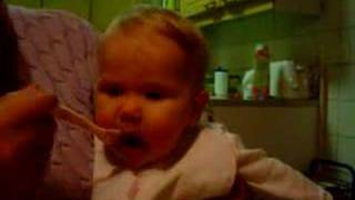 baby loves food