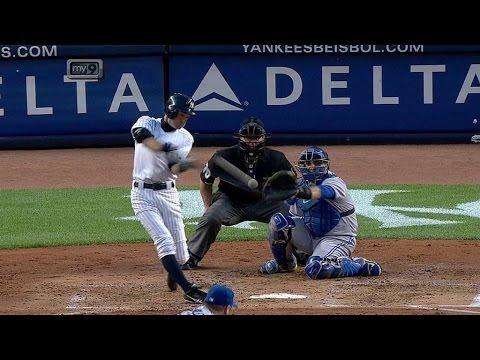 Ichiro slugs first homer of the season