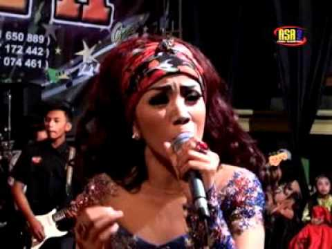Download Lagu Oleh Oleh DENISTA Live MANGGUNGAN MP3 Free