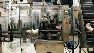 Mécaval 30   Automatic corking and wiring machine   Boucheuse museleuse automatique