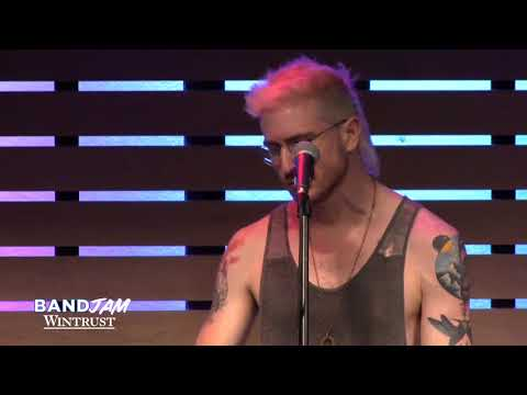 Walk The Moon - One Foot [Live In The Sound Lounge] (Wintrust Band Jam)