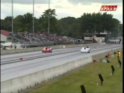 John McClean Charlie Kenopic Super Rod Final New England Dragway 2010.mpg