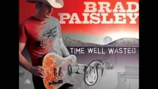 Watch Brad Paisley Rainin You video