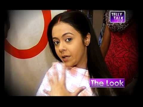 Transformation of Debolina to Gopi Bahu of 'Saath Nibhaana Saathiya' - Makeover