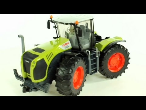 Claas Xerion 5000 Tractor (Bruder 03015) - Muffin Songs' Toy Review