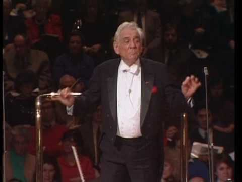 Candide Overture: Leonard Bernstein conducting