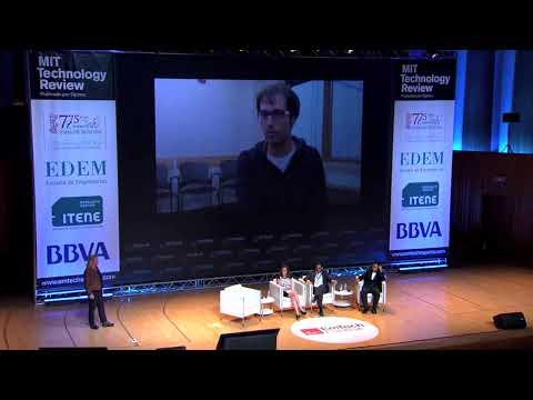 Martha Gray. Genómica, imagen y datos. El futuro de la medicina personalizada. EmTech España 2013.