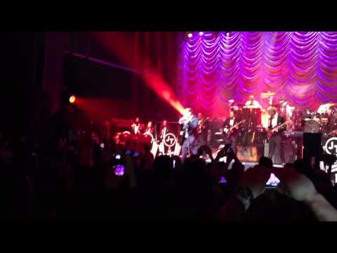 Justin Timberlake- Suit and Tie: The Forum 20-02-13