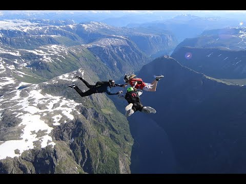 Skydiving summer 2017 in Norway
