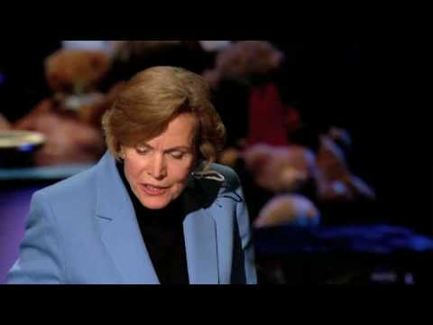http://www.ted.com Legendary ocean researcher Sylvia Earle shares astonishing images of the ocean --