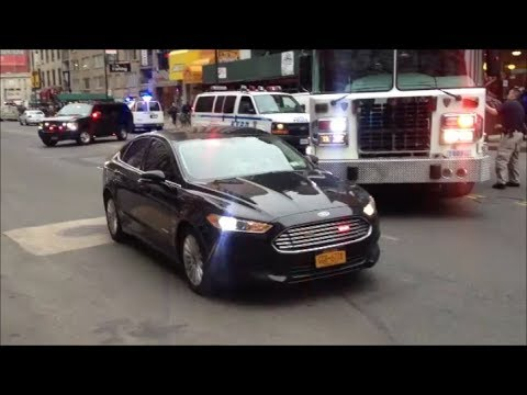 nypd chief amp bomb squad detectives in a unmarked ford