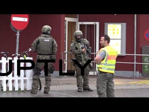 Munich shooting: Evacuation, dead bodies, heavy police presence (Raw footage)